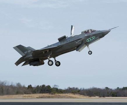 An F-35B Lightning II Joint Strike Fighter test vehicle hovers over a Pax River runway. (Photo courtesy of US Navy)
