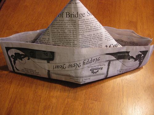 Как сделать своими руками из газеты шляпу