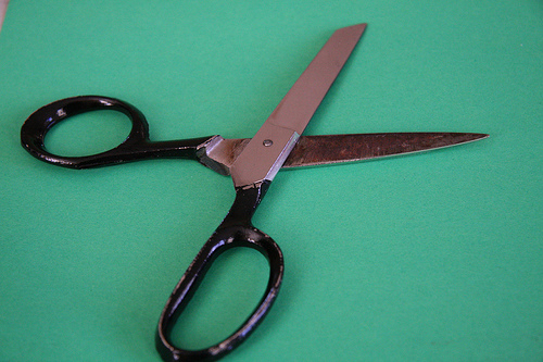 job cut scissors