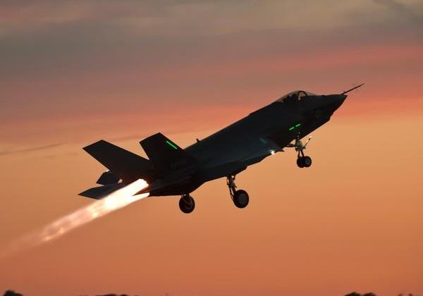 F-35C JSF night takeoff