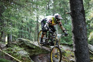 Mountain_bike_in_downhill_race