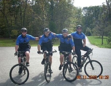 COPS group-bike-grad-NS
