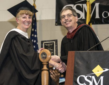 English Professor Earns Excellence Award